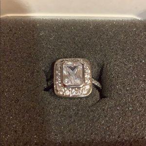 Gorgeous Ring CZ size 7